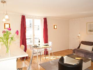 Elegant and Calm 1 Bedroom at Rue Barbet de Jouy in Paris - Paris vacation rentals