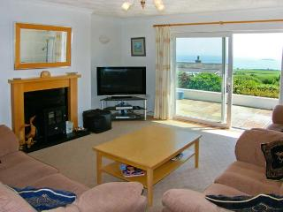 GARNA, spacious property, four bedrooms, sea views, balcony and lovely gardens in Mynytho, Ref 16406 - Mynytho vacation rentals
