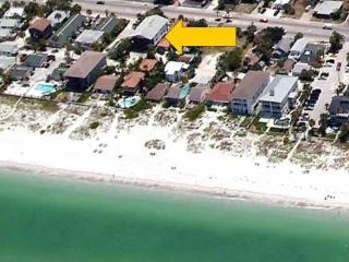 Beachside Condo 3BR/1.5BA *** PETS OK - Indian Rocks Beach vacation rentals