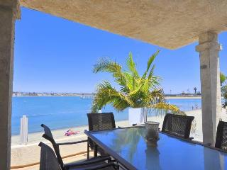 MISSION BAY GETAWAY, RIGHT ON THE BAY,  3 BD 2 BA - Pacific Beach vacation rentals