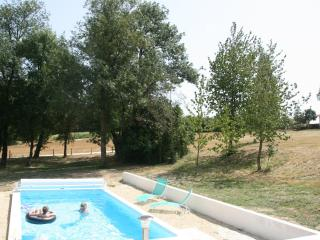 A Piece of Paradise with a Heated Pool - Poitou-Charentes vacation rentals