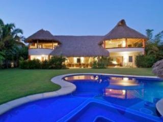 Punta Mita Luxury villa 4 suites surf beach front - Punta del Burro vacation rentals