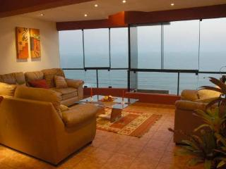 3 LEVEL PENTHOUSE WITH PRIVATE TERRACE,  WITH BEST OCEAN VIEW IN MIRAFLORES​​​,PE​R​U. - Lima vacation rentals