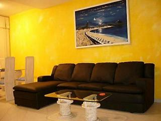 (#143) Nice 2 bedroom in Copacabana, Posto 6 - Niteroi vacation rentals