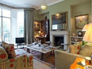 South Kensington 2 Bedroom 2 Bathroom (4087) - London vacation rentals
