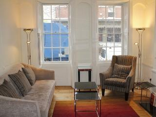 Bloomsbury 2 Bedroom with Terrace (4102) - London vacation rentals