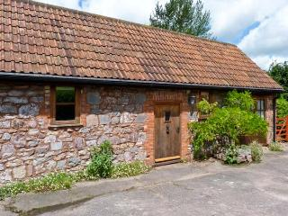 HIGH PARK FARM, barn conversion, courtyard garden, pet friendly, romantic retreat, in Uffculme, Ref 14205 - Exeter vacation rentals