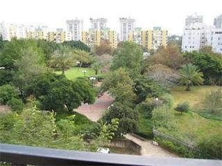 3br Stylish Modern Ramat Aviv Gimel Nice Park View - Tel Aviv vacation rentals