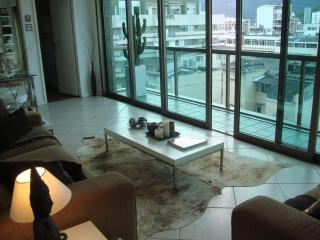 Astonishing 2 Bedroom in Tiffany's building!!!! - Niteroi vacation rentals