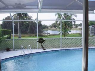 Villa Aurora 3/2 lake view, quiet Ft Myers area - Lehigh Acres vacation rentals