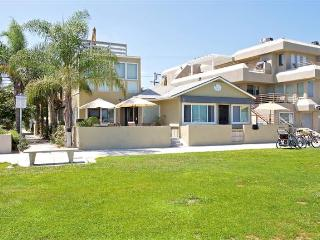 Book 2-4 separate condos in 1 building! #3676A+B - San Diego vacation rentals