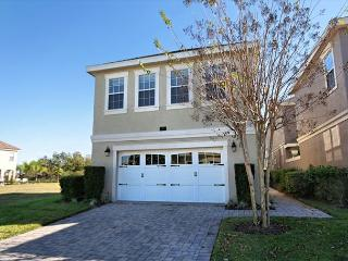 CASTLE COURT: 5 Bedroom Home Overlooking Golf Course with Private Pool & Spa - Reunion vacation rentals