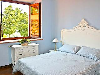 Florence Country residence Apartment surrounded by the florentine hills(wifi) - Florence vacation rentals