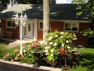 Peaceful Orillia Lakefront Paradise on Lake Simcoe - Orillia vacation rentals