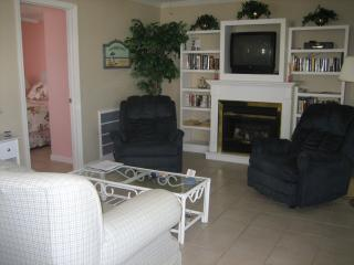 Sunrise Beach Cottage - Steps to Times Square! - Fort Myers Beach vacation rentals