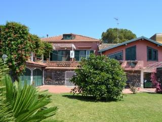 CR100Acireale - Casa Guardia - Acireale vacation rentals