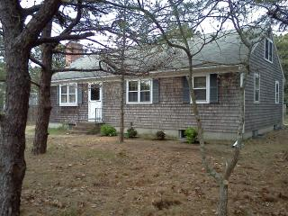 3 Bedroom House 1/2 mi from Sunken Meadow Beach - Eastham vacation rentals