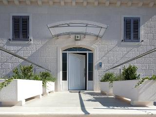 Lovely Villa with Internet Access and A/C - Bol vacation rentals