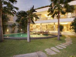 Amazing Villa Gasha Welcome incl. daily Breakfast - Seminyak vacation rentals