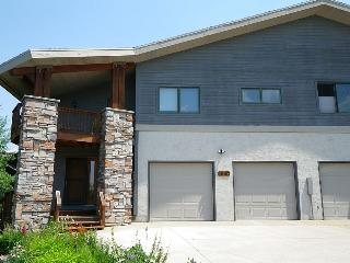 Blue Sky Chalet ~ 4 Bedrooms/3.5 Baths - Steamboat Springs vacation rentals
