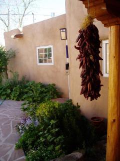 Beautiful Renovated Taos Adobe on Ledoux St - Taos vacation rentals