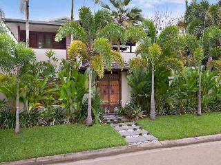 Ten at the Beach - Listen to the waves on Four Mile Beach! - Port Douglas vacation rentals