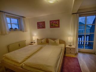 Vacation Apartment in Oberammergau - 431 sqft, individual, elegant (# 2972) - Oberammergau vacation rentals