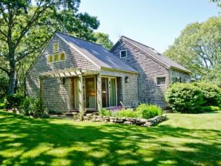 HILLSIDE HIDEAWAY ON BLUEBERRY RIDGE - CHIL VBAR-39MH - Menemsha vacation rentals