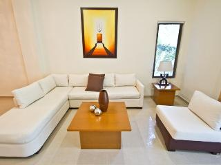 Palmar del Sol 104. 3 bedroom apartment with pool view.On downtown - Playa del Carmen vacation rentals