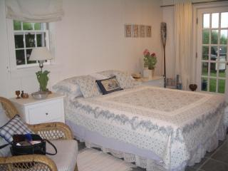 'Sconset direct waterfront beach cottage - Siasconset vacation rentals