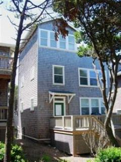 Watch the Waves  2 + BR, King Beds, Hot Tub, Flat Screen TV's - Image 1 - Oregon Coast - rentals