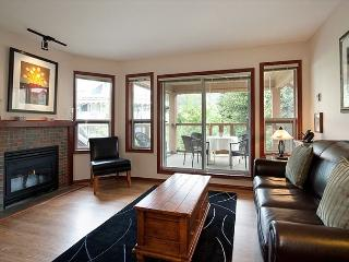 91 Glaciers Reach this 2br home has a hot tub & pool in Whistler Village - Whistler vacation rentals