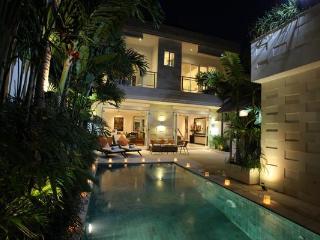 JUST 100M FROM JL OBEROI, SPACIOUS INTERIORS - Seminyak vacation rentals