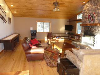 Walk to ski! Big Bear Luxury Cabin (3BR, 2000sqft) - Moonridge vacation rentals
