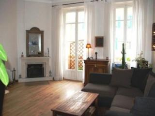 Marius 2 Bedroom Cannes Apartment with a Balcony - Cannes vacation rentals