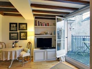 2a817d9e-d24b-11e1-aef2-0019b9ec8777 - Paris vacation rentals