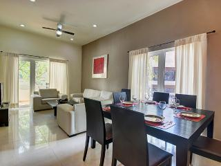 Palmar del sol 101. 2 bedroom apartment. 5th avenue view - Playa del Carmen vacation rentals