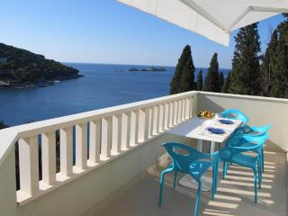 Acqua di Mare|Modern Seafront 2-BR Balcony Parking - Dubrovnik vacation rentals