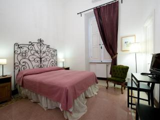 Charming cosy-B&B-La Casa di Via Mecenate - Rome vacation rentals