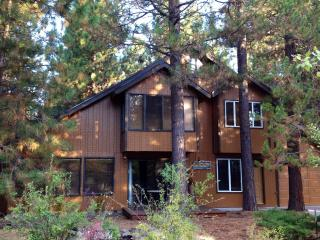 Cozy Cabin Among Towering Ponderosas. - Sunriver vacation rentals