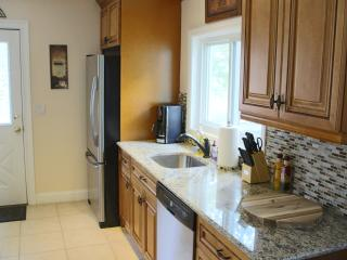 Charming and immaculate 3 br duplex! - Greenwich vacation rentals