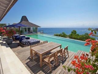 Villa Tranquilla, stunning 4 bed clifffront villa - Nusa Lembongan vacation rentals