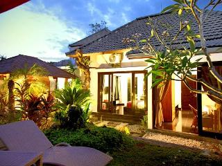 5 bedroom villa Seminyak near Bintang Supermarket - Bali vacation rentals
