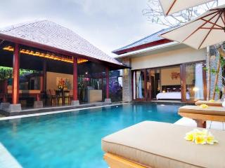Villa Alun in Seminyak - 250 Meter to the Beach - Seminyak vacation rentals