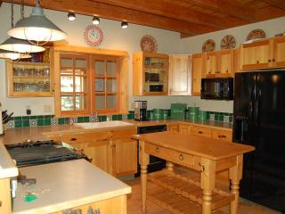 4 Bedroom House Near Sugar Bowl and Royal Gorge - High Sierra vacation rentals