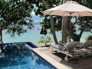 Grand Villa, beachfront luxury at Dreamcove 17 - Vanuatu vacation rentals