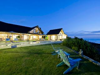 Casa Del Mar - dramatic cliff-front luxury - Karangasem vacation rentals