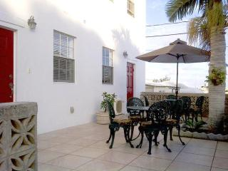 Stunning 1 Bedroom Apartment in Pembroke Bermuda - Hamilton vacation rentals