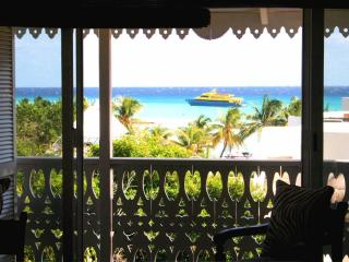 Chic Ocean view penthouse - 1 Block from beach - Playa del Carmen vacation rentals