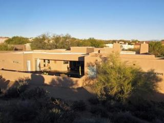 Great N.Scottsdale Contemporary w Heated Pool - Scottsdale vacation rentals